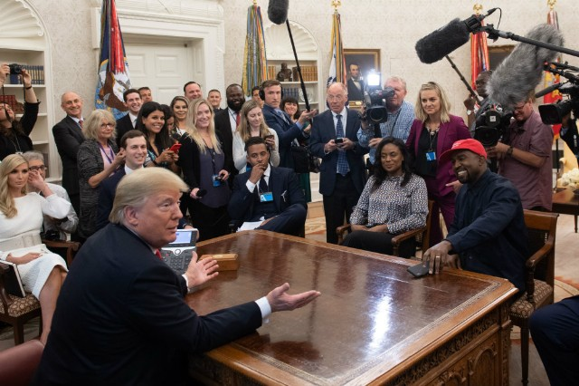 trump-kanye-west-oval-office-1539277967-640x426